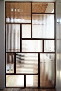 "Example of design glass ""mall glass"" used as a store partition (K company, Sapporo, Hokkaido) Garden; Glass Partition Designs, Window Glass Design, Living Room Partition Design, Partition Ideas, Glass Partition Wall, Home Interior Design, Interior Architecture, Glass Blocks Wall, Door Gate Design"