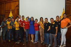 LA PRIMERA DAMA DEL CANTÓN, HILLARY PARDO DE ENCALADA, JUNTO A LOS INSTRUCTORES DE LOS CURSOS VACACIONALES 2015.