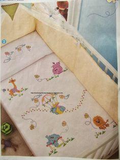 juegos de cama en punto de cruz Quilt Block Patterns, Pattern Blocks, Cross Stitch Patterns, Cross Stitch For Kids, Cross Stitch Baby, Quilt Baby, Baby Embroidery, Embroidery Designs, Baby Sewing