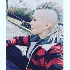 #dreads #dreadlocks #headshave #headshavegirl #shavedhead #shavedsides #mohawk #mohawkgirl #dreadhawk