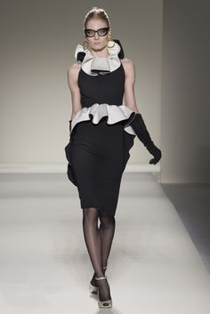 Moschino Fall 2011 Ready-to-Wear Collection Slideshow on Style.com