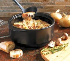 Discover the Rockcrok by The Pampered Chef. This everyday pan makes easy, delicious one pot meals, casseroles, side dishes and more. Rockcrok Recipes, Pampered Chef Recipes, Crockpot Recipes, Cooking Recipes, Best French Onion Soup, Great Recipes, Favorite Recipes, One Pot Meals, Yummy Food
