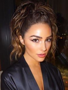 Figuring out what to do with your hair every morning is part of the daily struggle, especially when in between washes. Luckily this braid-ponytail hybrid spotted on Olivia Culpo is all the inspiration you need to step up your beauty game, hide that second-day hair and look amazing at work, school or running errands.