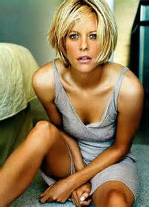 Meg Ryan, born in 1964. She was so pretty here, now she looks scary. I wish people, especially women, would age gracefully.