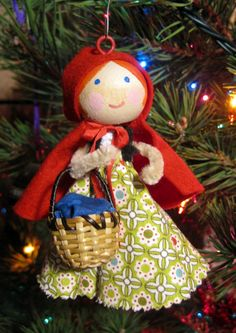 clothespin dolls and ornaments   Little Clothespin Doll Ornaments