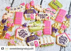 """359 Likes, 16 Comments - Judit Reding (@thesweetdesignsshoppe) on Instagram: """"Loved making this set! @sweetdesignsbyjudit #thesweetdesignsshoppe #housecookies"""""""