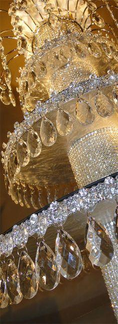 Decorate My Wedding - Crystal Cupcake Stands - Wedding Cupcakes