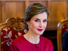 The glamorous life of style icon Queen Letizia, 'Spain's Kate Middleton' who's currently visiting the UK - King Felipe and Queen Letizia of Spain arrive in the UK on Wednesday for a three-day state visit, staying at Buckingham Palace.  They're due to be greeted by the Queen and the Duke of Edinburgh at Horse Guards Parade, according to the BBC , in the first state visit by a Spanish king to the UK in 31 years, when Felipe's father, Juan Carlos, made the trip. Prime Minister Theresa May is…
