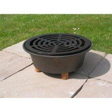 Cast Iron Garden Hob with grid made by Netherton Foundry in - Cast Iron Skillet, Made In Uk, Camping Accessories, Small Gardens, It Cast, Home Appliances, Skillets, Outdoor Decor, Grid