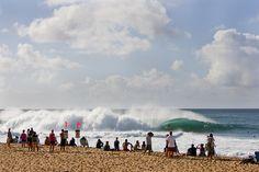 Jamie O'Brien, Pipeline. Photo: Lowe-White #SURFERPhotos #SURFER