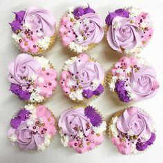 245 vind-ik-leuks, 2 reacties - Sweets By Dooha (@sweetsbydooha) op Instagram: 'Our very popular Cupcakes . . . #cupcakes #buttercream #vanilla #nutella #popular #eeeeeats…'