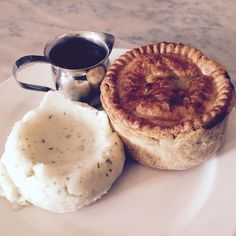 [I ate] English Steak and Ale Pie with Mashed Potatoes and Mashed Potatoes Food Recipes Ale Pie, Pie And Mash, Steak And Ale, Tasty, Yummy Food, Daily Meals, Potato Recipes, Camembert Cheese, Mashed Potatoes