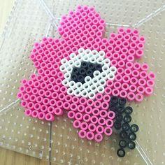 Marimekko flower perler beads by Hama Beads Coasters, Diy Perler Beads, Bead Crafts, Diy And Crafts, Crafts For Kids, Craft Iron, Iron Beads, Perler Patterns, Marimekko