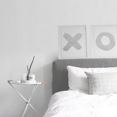 Loving this gorgeous minimalist bedroom by @minimaliststyle - perfectly styled! #blacklist #shadesofgrey #silver #bedroomstyle #minimalist #minimalism #minimal #blackandwhite #monochrome