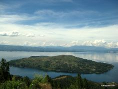 Islands that land straightway in eyes and make room in heart! samosir island indonesia