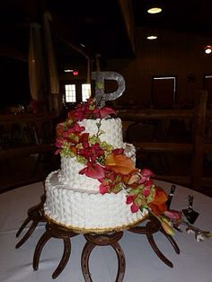 Rustic cake stand with horse shoes