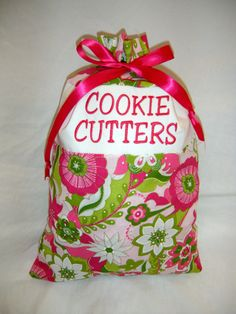 These make an excellent wedding shower gift! At my shower, it was filled with cookie cutters, and they turned it into a game to have everyone guess which shapes were in the bag. And now I always know where all of my cookie cutters are - in this adorable bag!! :)