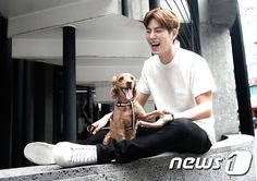 20150816 Hong Jonghyun with Dog's Herong From news1