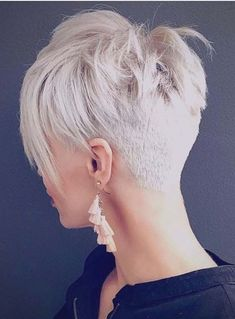 You may see here the wonderful ideas of undercut short pixie haircuts for women and girls to show off right now. This is one of the best styles among all the short pixie haircuts in year - Hair Styles Undercut Short Pixie, Short Pixie Haircuts, Short Hairstyles For Women, Undercut Women, Undercut Styles, Haircut Short, Short Hair Cuts For Women Pixie, Crop Haircut, Haircut Styles