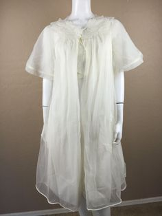 VINTAGE LAROS Lingerie Ivory Chiffon Embroidered Leaves Peignoir Nightgown &robe