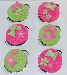Glitter butterflies and flowers cupcakes