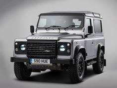 Subastaron la Defender de Land Rover nº 2 millones ¿Sabes cuánto pagaron por ella?