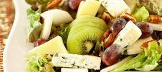 Hedelmä-juustosalaatti Cobb Salad, Potato Salad, Food And Drink, Dairy, Potatoes, Favorite Recipes, Cheese, Fresh, Canning