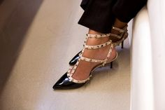 These Valentino shoes are the sexiest kitten heels i've ever seen!