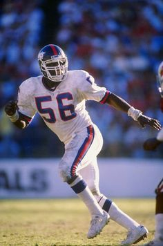Lawrence Taylor (LB) Giants - First Year: 1981 - Career: 13 seasons - Drafted: Round Pick 2 New York Giants Football, Nfl Football Players, Football Is Life, Best Football Team, Football Ticket, National Football League, Games Football, Football Moms, Football Stuff