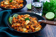 Dahl de lentilles vertes à la patate douce et poulet Vegan Recipes, Cooking Recipes, Batch Cooking, Kung Pao Chicken, Coco, Food And Drink, Menu, Yummy Food, Ethnic Recipes