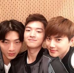 "On March 15, Ji Soo, Kim Hee Chan, and EXO's Suho (pictured above in that order) from the movie ""Glory Day"" were guests on SBS PowerFM's ""2 O'Clock Escape Cultwo Show."" Suho tells a funny story of a misunderstanding that occurred because of Ji Soo's na..."