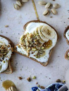 Vanilla. Ricotta. Banana. Toast.