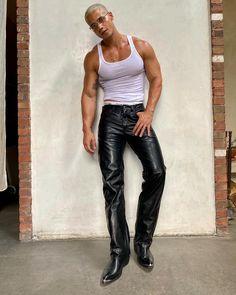Looks Street Style, Looks Style, Star Fashion, Mens Fashion, Fashion Outfits, Black Pics, Poses For Men, Types Of Fashion Styles, Fashion Brand