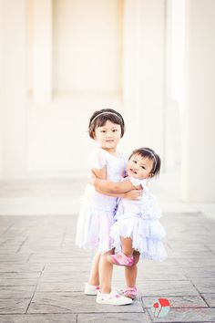 Sister love!! Chattanooga, TN Photography by: https://www.facebook.com/KenneyPhoto