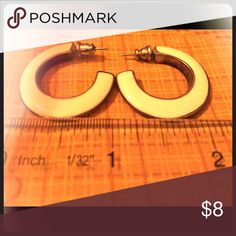 Stylish Earrings These earrings go with everything! Dress up or down, they look great either way! They are off-white and silver with straight posts. Measurements in the photo. Let me know if you'd like more information. Thanks for looking! Jewelry Earrings