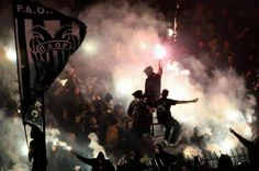 PAOK ultras! Soccer Hooligans, Ultras Football, Thessaloniki, Football Fans, Photo Effects, Darth Vader, Grunge Style, Tattoo, Gq