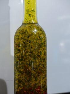 Zutaten :      Natives Olivenöl Extra   Natives Rapsöl   Oregano   Rosmarin   Thymian   Basilikum   Knoblauch   Chili      Zubereitung...