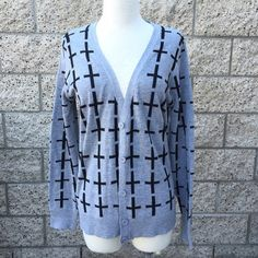Gray Cardigan Patterned Cardigan Condition: Previously loved... Flaws: None. Sweaters Cardigans