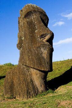 Google Image Result for http://www.ethicaltraveler.org/wp-content/uploads/2010/01/Chile-easterisland-credit-AndresMorales-dreamstime_5880351.jpg