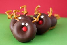 reindeer and snowman donuts