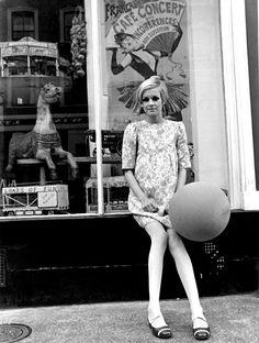 Lesley Lawson (Twiggy.) Decada 1960. Primera modelo internacional, primera supermodelo,