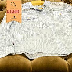 A Nova D é uma marca super bacana que está aqui no Conjunto! O vestuário feminino é composto por peças muito elegantes e modernas. Tudo que é trend você encontra lá!  Nosso achadinho passou pela Nova D e encontrou essa camisa de botão super charmosa: estampada e com botões dourados. Ideal para o trabalho combinada com uma calça social ou para um passeio, combinada com um jeans boyfriend.