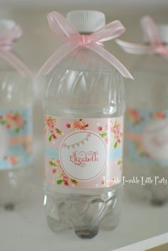 Pink Floral Shabby Chic Printable Water Labels by twinklelittleparty maybe with paper doilies Cumpleaños Shabby Chic, Shabby Chic Baby Shower, Floral Baby Shower, Shower Party, Baby Shower Parties, Shower Cake, Baby Shower Elegante, Regalo Baby Shower, Shabby Chic Birthday