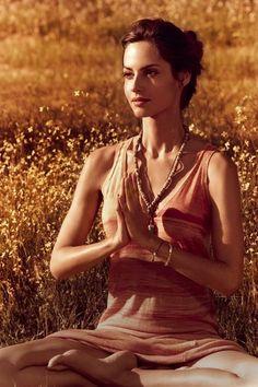 心も体も健康な美ボディーになりたい♡女性なら誰もがそうなりたいですよね。それを、なんと呼吸法だけで叶えちゃいます!タイのヨガと言われているルーシーダットンの呼吸法を身につけましょう。