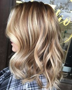 Long Wavy Ash-Brown Balayage - 20 Light Brown Hair Color Ideas for Your New Look - The Trending Hairstyle Blonde Hair Looks, Brunette Hair, Fall Hair Colors, Brown Hair Colors, Brown Hair Trends, Fall Hair Trends, Non Blondes, Fresh Hair, Brown Hair With Highlights