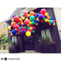 Gorgeous balloons going strong . . . . #Repost @frankie1204 ・・・ When your office becomes a tourist destination . . . . #colourexplosion #balloonhouse #partytime #love #bubblegumballoons #makingballoonsawesome