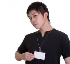 Name tags help people to recognize you.    名札を見れば誰か分かります。