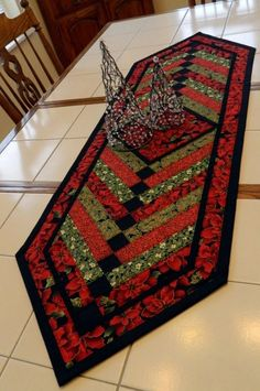 20 DIY Quilted Table Runner Ideas For All Year Round (19)