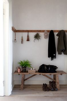 hallway with vintage wooden bench coat hooks We introduce the moment that inspired the Dreamer Gift Set. Hallway Decorating, Decorating On A Budget, Entryway Decor, Entryway Bench, Hallway Coat Rack, Entry Coat Hooks, Coat Hooks Hallway, Coat Hooks On Wall, Hallway Art