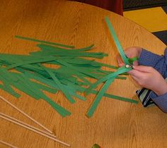 Brick by Brick: Palm Sunday Construction paper on dowel rod palms and noise makers Sunday School Activities, Easter Activities, Paper Crafts For Kids, Easter Crafts, Palm Sunday Lesson, Sunday Paper, Kids Church, Construction Paper, Brick